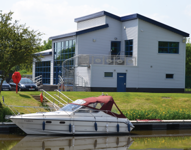 Farndon Marina brokerage and moorings
