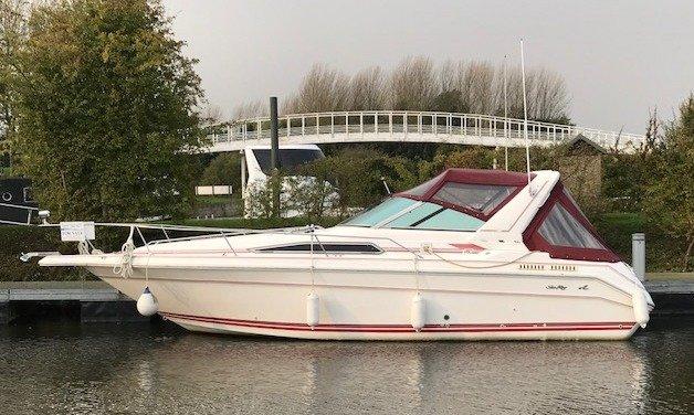 Sea Ray 280 Sundancer Sports Cruiser | For Sale GBP £18,995