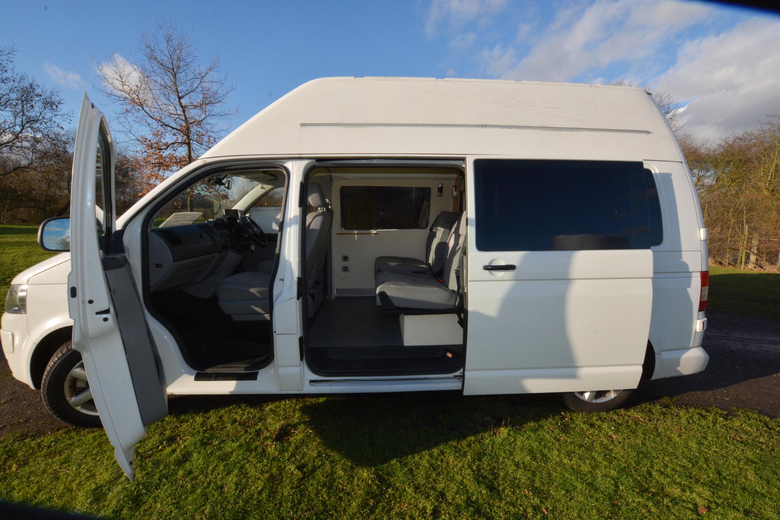 volkswagon t5 campervan used vw t5 campervan for sale. Black Bedroom Furniture Sets. Home Design Ideas