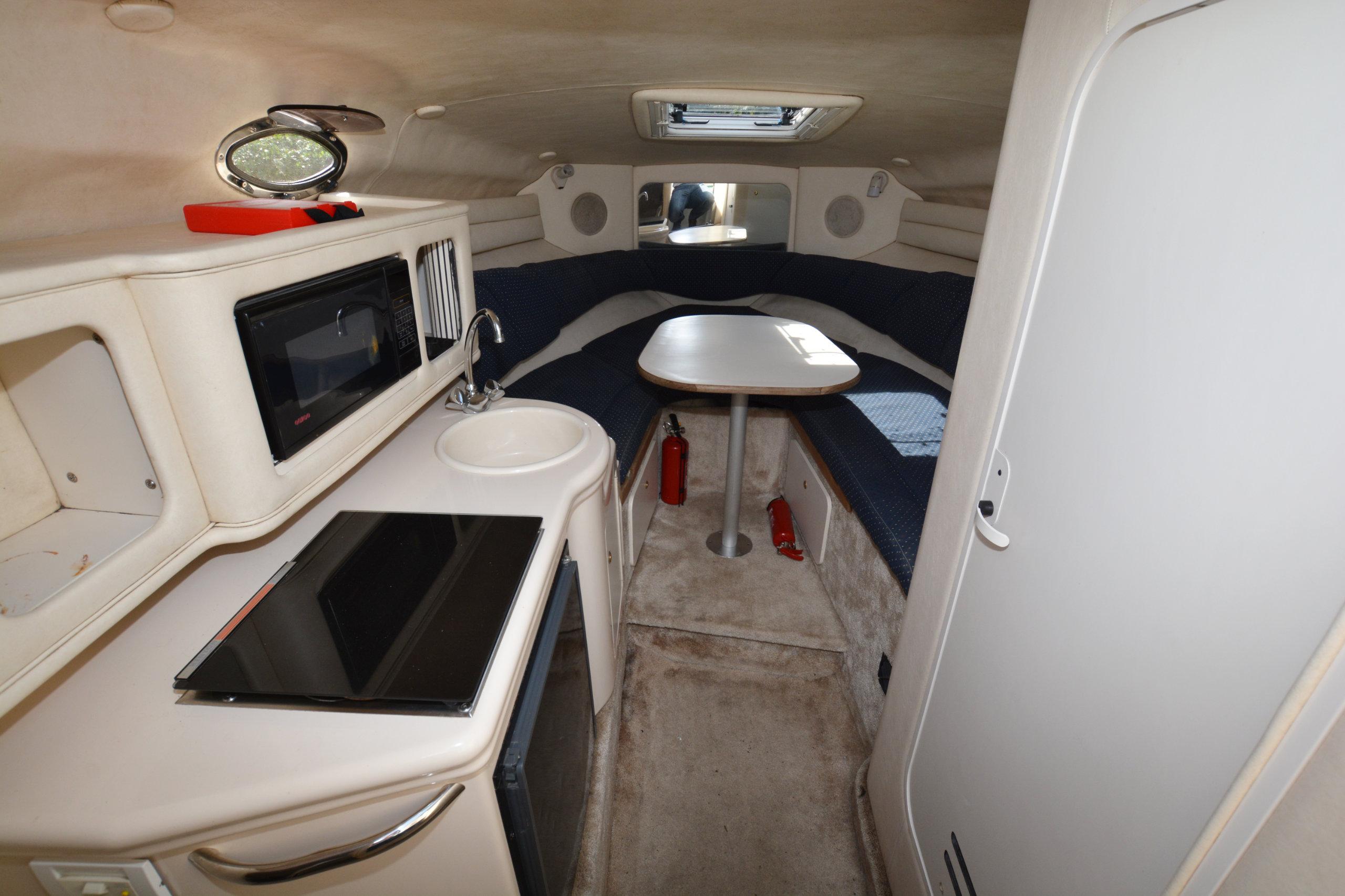 Sea Ray 260 Sundancer Priced at £15,995 - Farndon Marina